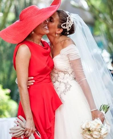madrinas de boda con mantilla
