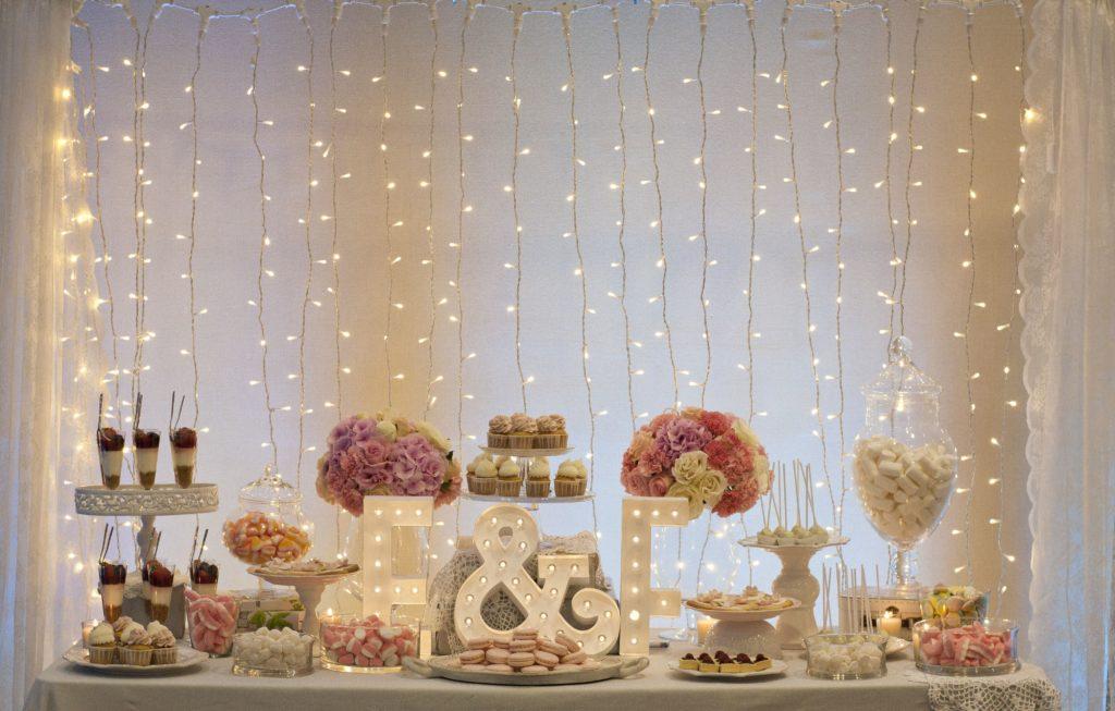 mesa de dulces para boda azul rey